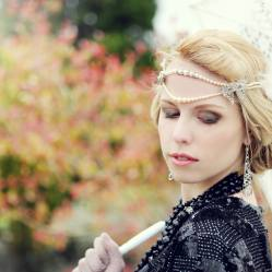 flapper-style-headband-with-vintage-pearls-jewellery-photo-by-katie-hamilton-photography