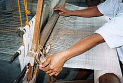 weaving-sinamay