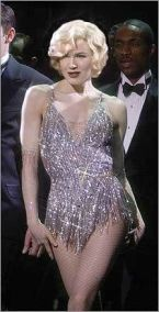 Renee Zellweger as Roxie Hart